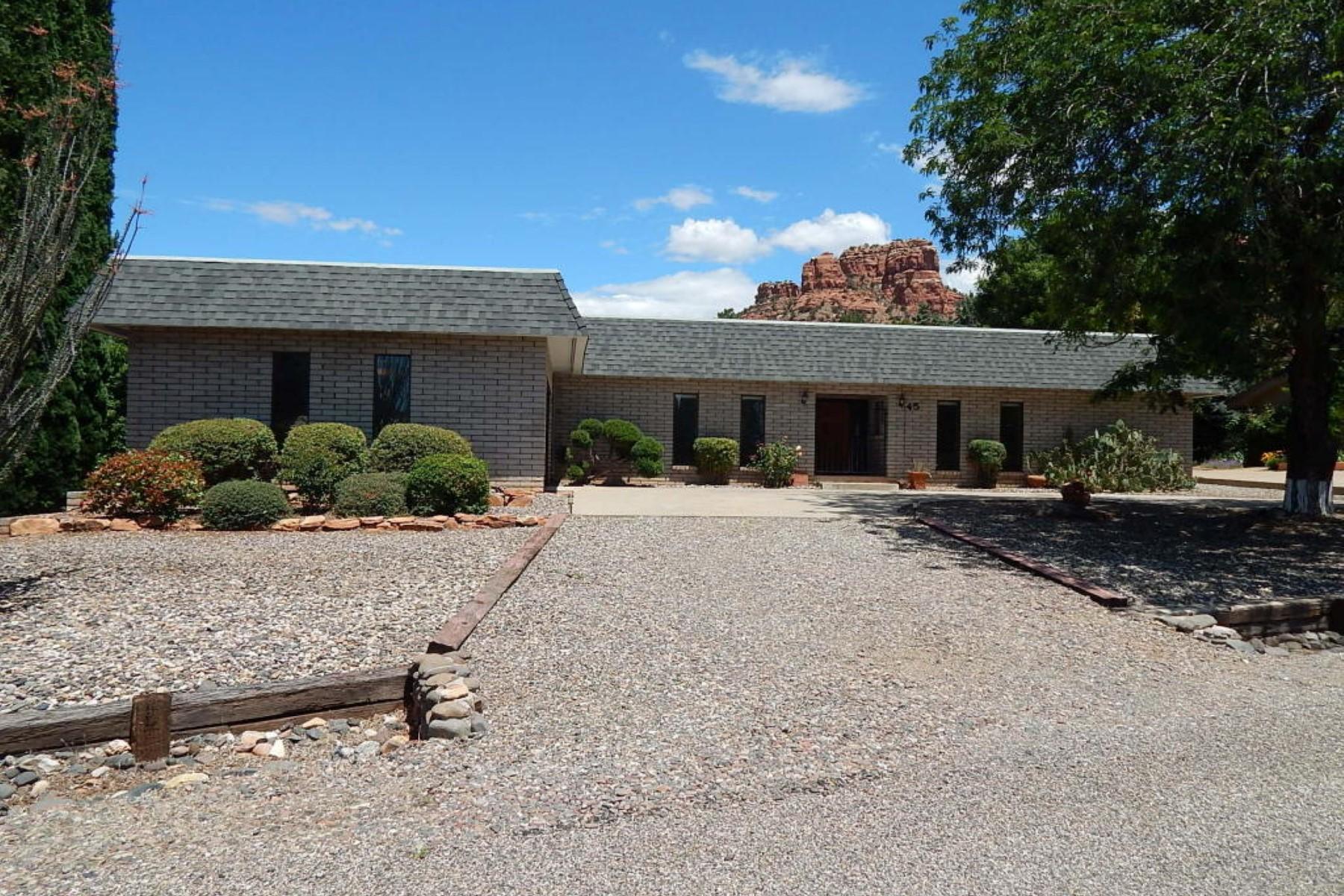 Частный односемейный дом для того Продажа на This home is incredibly maintained and shows pride of ownership. 45 Sandrock Rd Sedona, Аризона 86351 Соединенные Штаты