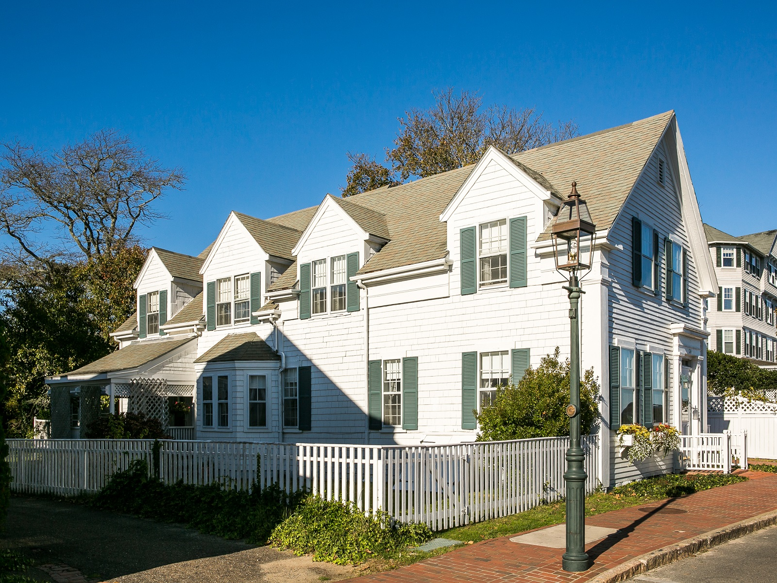 Casa Unifamiliar por un Venta en North Water Street, Edgartown 124 North Water Street Edgartown, Massachusetts 02539 Estados Unidos
