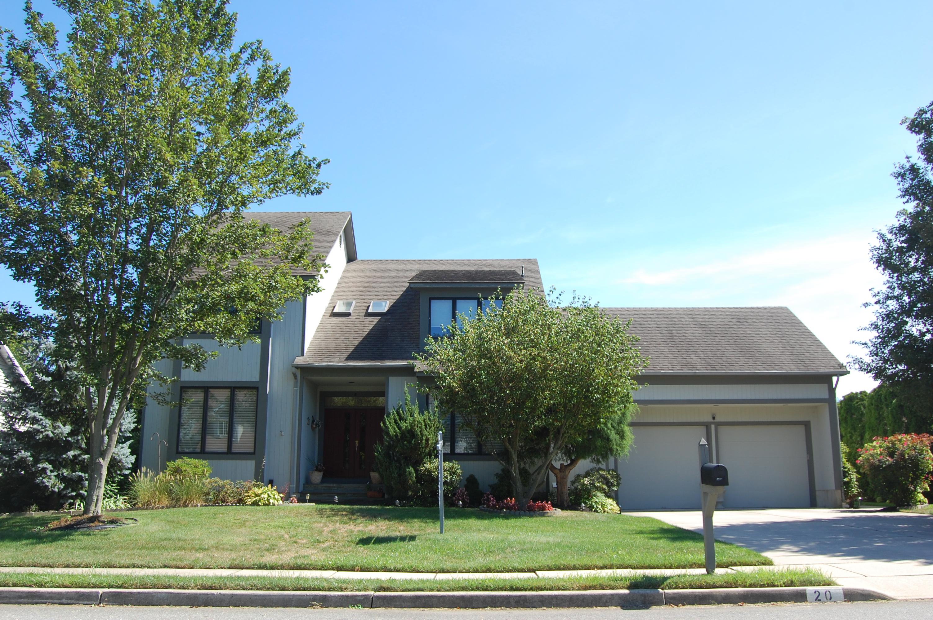 Tek Ailelik Ev için Satış at Premier Setting! 20 Lebanon Drive Brielle, New Jersey 08730 Amerika Birleşik Devletleri