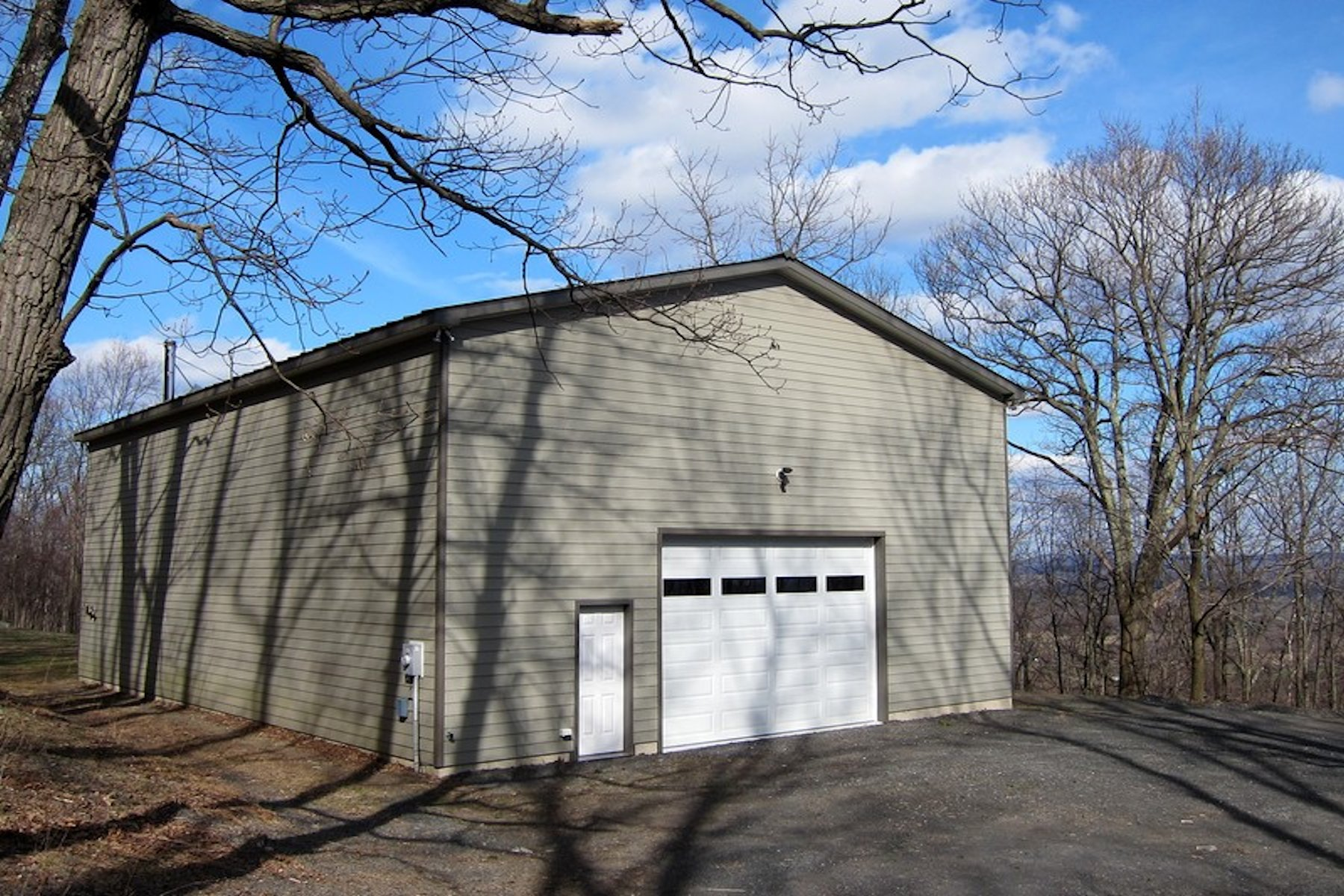 Other Residential for Sale at Wonderful Studio Space 66 Black Hawk Trail Gardiner, New York, 12525 United States
