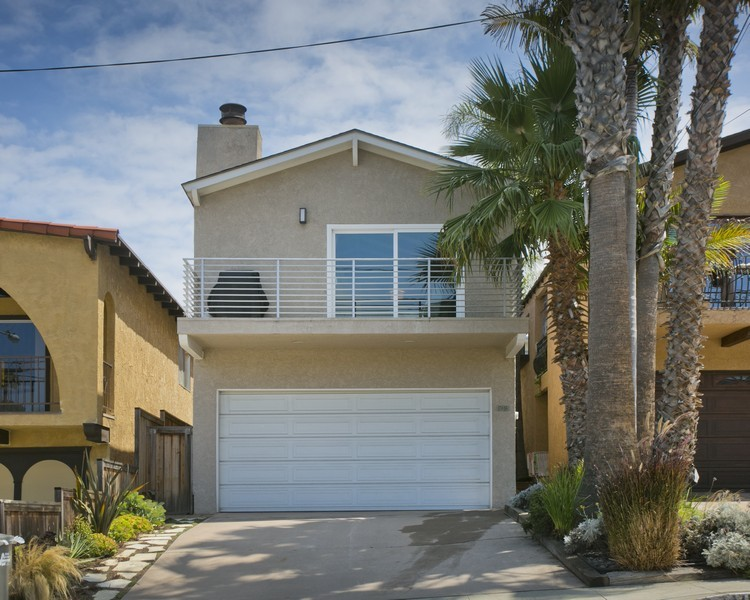 Single Family Home for Sale at Golden Hills Home 1718 Goodman Ave. Redondo Beach, California 90278 United States