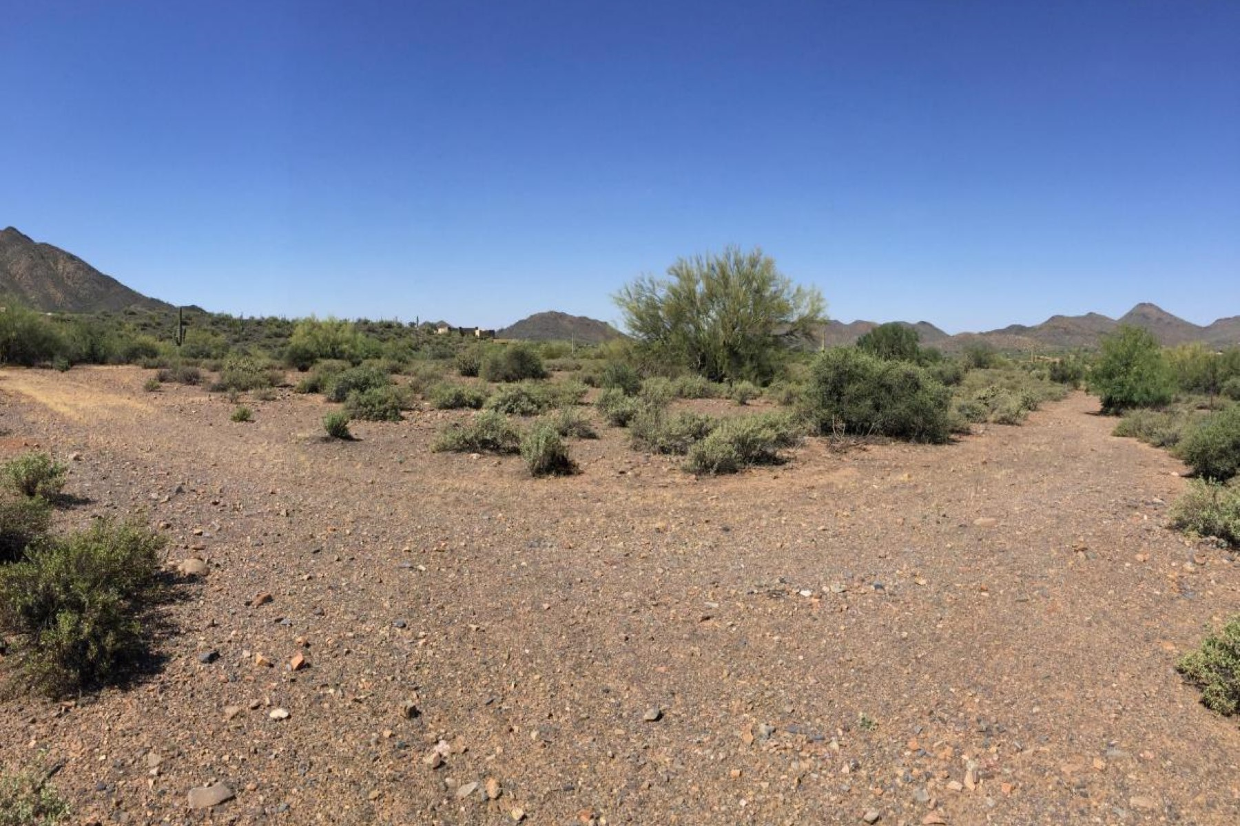 Terrain pour l Vente à Large Parcel-Over 22 Acres. with numerous Possibilities 38557 N School House RD Cave Creek, Arizona 85331 États-Unis