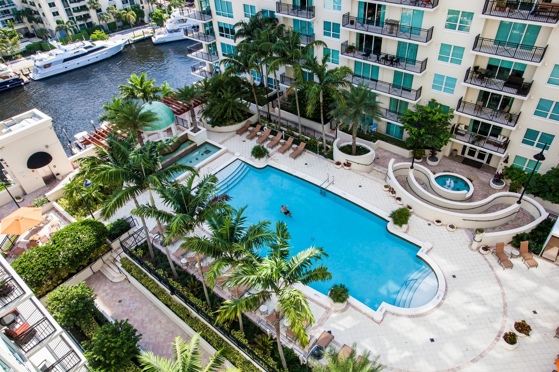 Appartement en copropriété pour l Vente à Symphony North Condo 610 W Las Olas Blvd #1519N Fort Lauderdale, Florida 33312 États-Unis