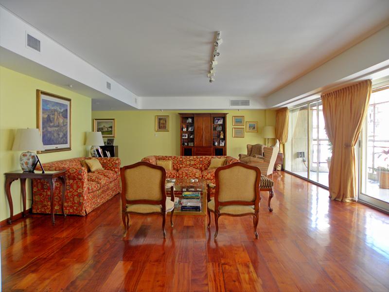 sales property at Apartment in Recoleta - Juncal 1400