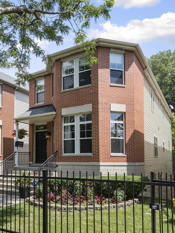 Vivienda unifamiliar por un Venta en Gorgeous Old Town Home 1521 N Larrabee Street Near North Side, Chicago, Illinois 60610 Estados Unidos