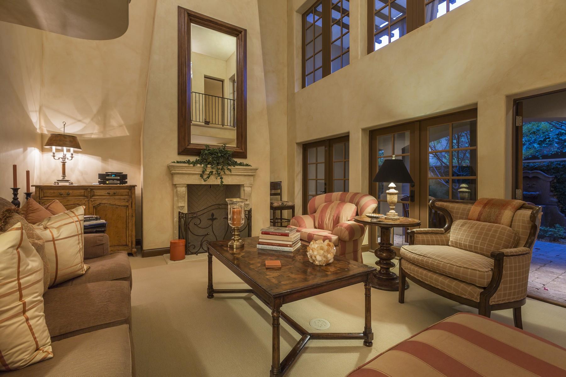 Villa per Vendita alle ore 451 Villaggio Palm Springs, California 92262 Stati Uniti