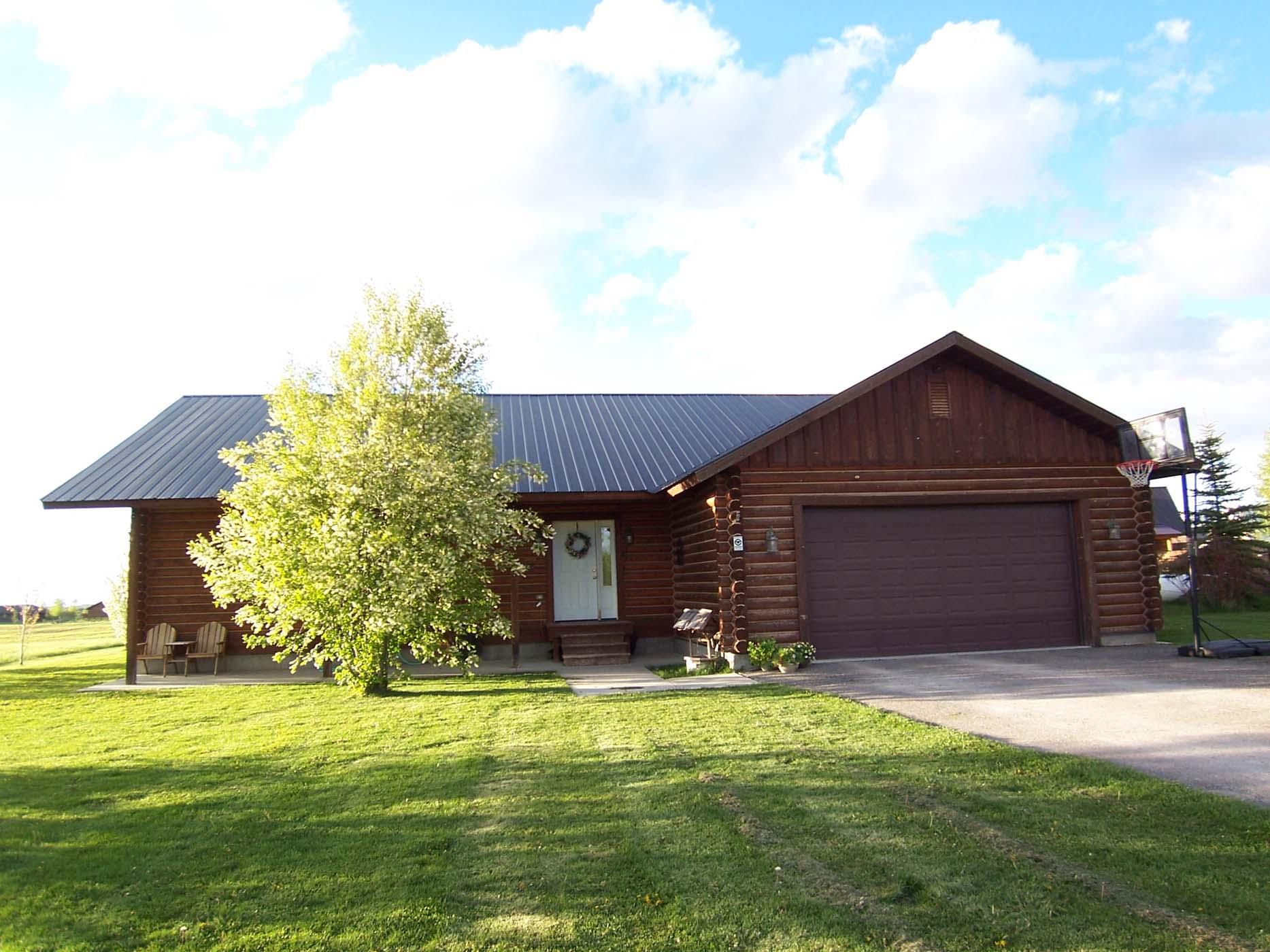 Maison unifamiliale pour l Vente à Swedish Cope Log Home- Finished Basement 5042 Country Club Drive Victor, Idaho, 83455 Jackson Hole, États-Unis