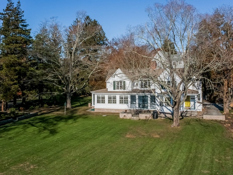 Vivienda unifamiliar por un Venta en 100 Liberty Street Madison, Connecticut 06443 Estados Unidos