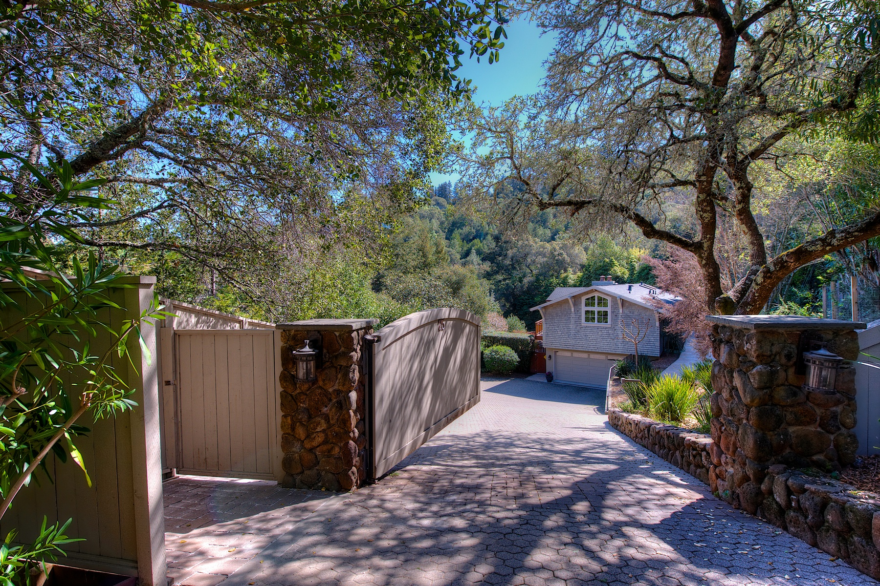 Single Family Home for Sale at Contemporary Craftsman 25 Westwood Dr. Kentfield, California 94904 United States