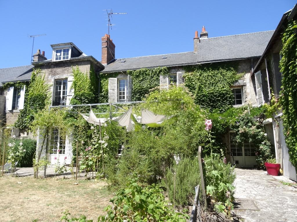 Casa Unifamiliar por un Venta en Maison de ville Faubourg bourgogne Other Centre, Centro 45000 Francia