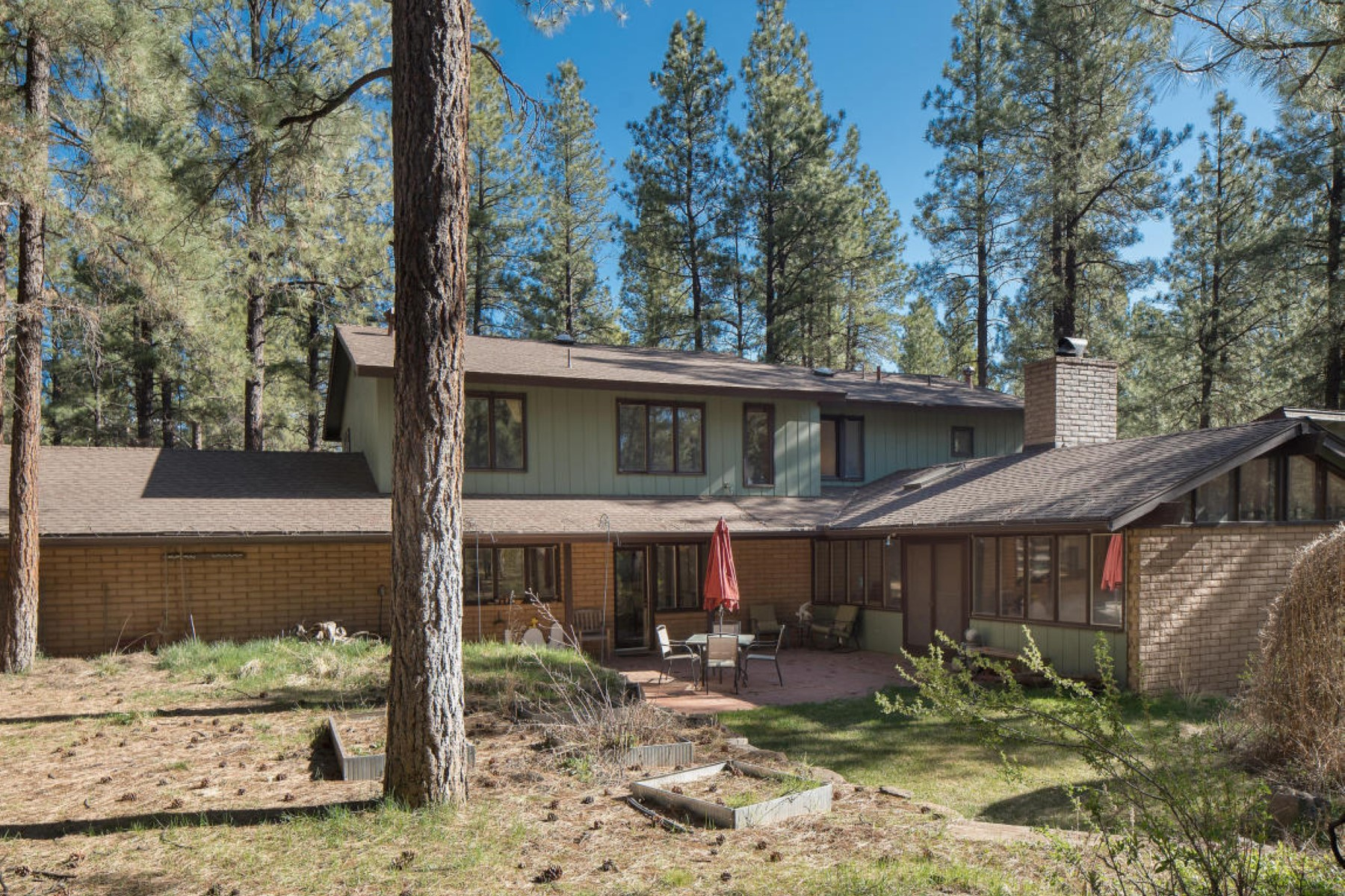 Single Family Home for Sale at Beautiful home in the highly coveted Coconino Estates 1457 W Meade Ln Flagstaff, Arizona, 86001 United States