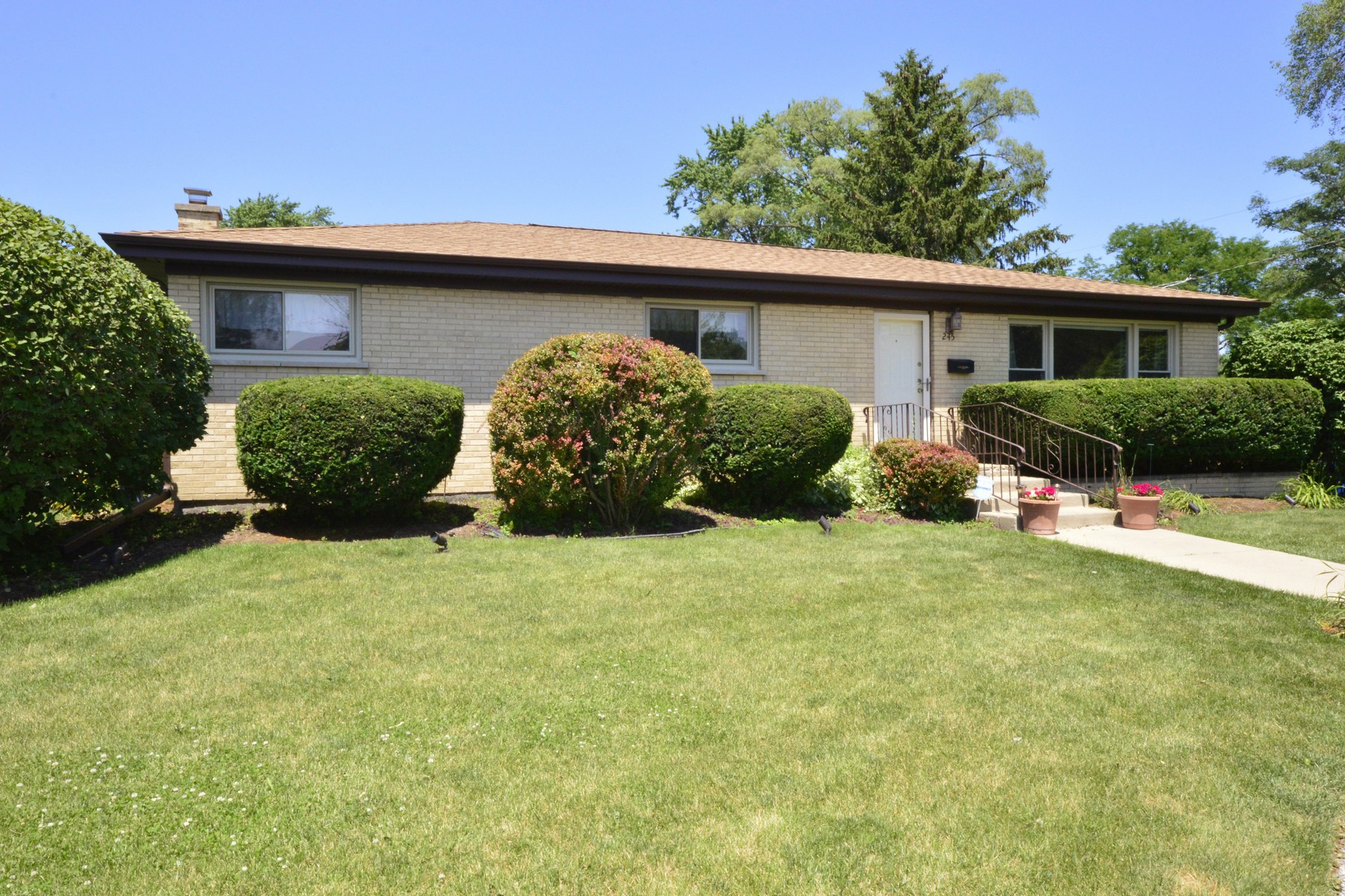 open-houses property at Enjoy This Incredible Ranch Home In Glenview