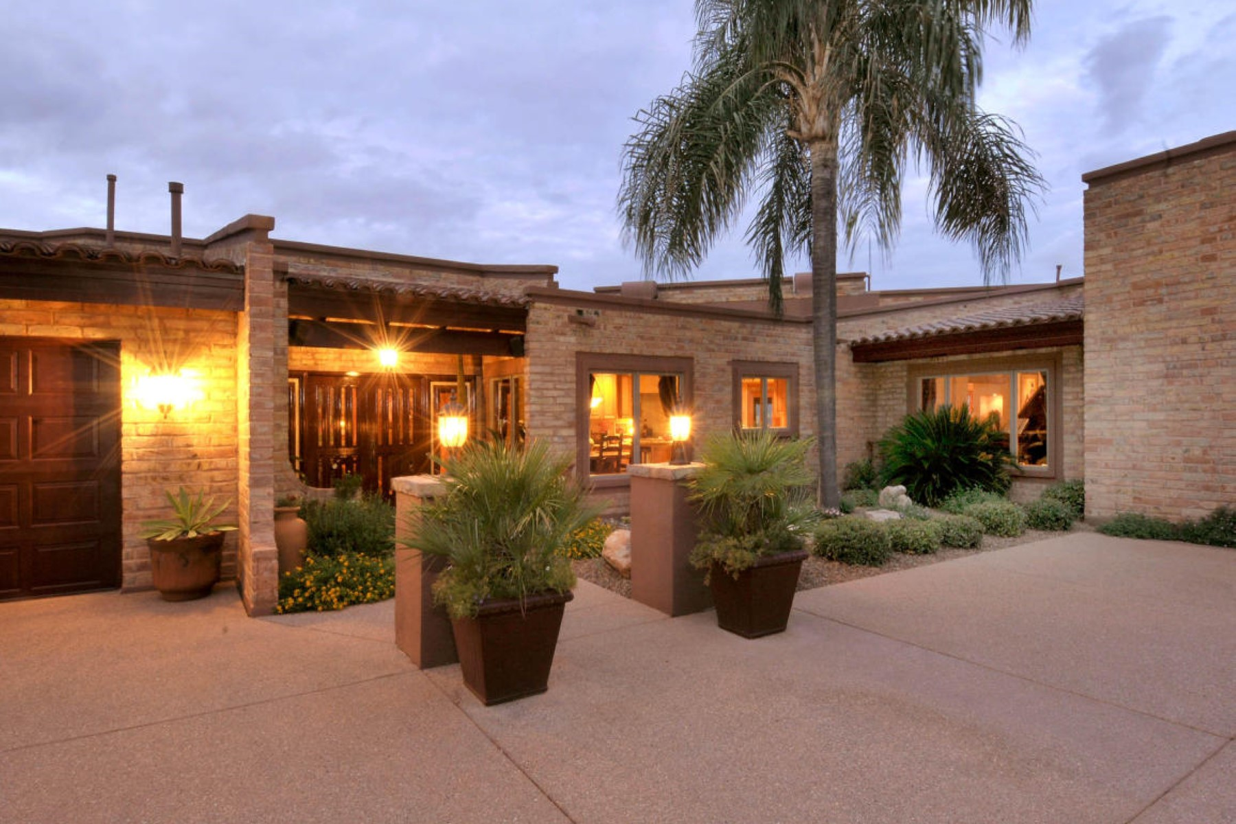 一戸建て のために 売買 アット Stunning one-of-a-kind classic Ultra-Custom Desert soft Contemporary 5000 E Oakmont Drive Tucson, アリゾナ, 85718 アメリカ合衆国