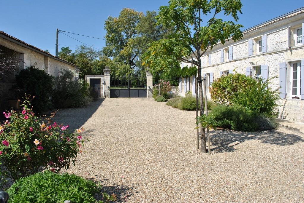 Single Family Home for Sale at belle charentaise Saintes, Poitou-Charentes France