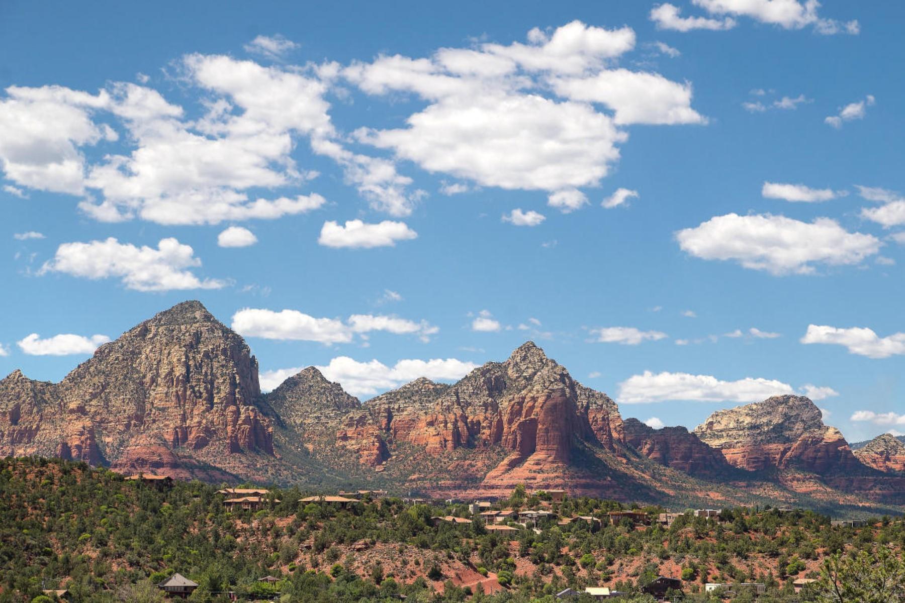 Земля для того Продажа на Gently sloped, hilltop lot showcases highly coveted views. 73 Meteor Sedona, Аризона, 86336 Соединенные Штаты