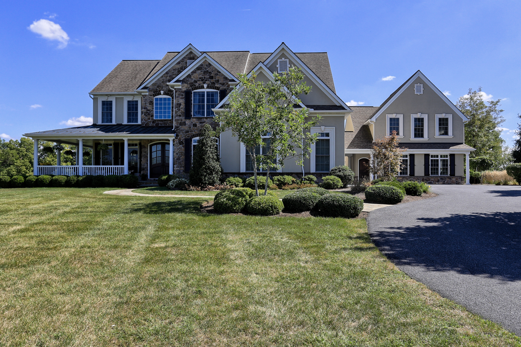 Single Family Home for Sale at Bent Creek Country Club 4 Shadewood Place Lititz, Pennsylvania 17543 United States