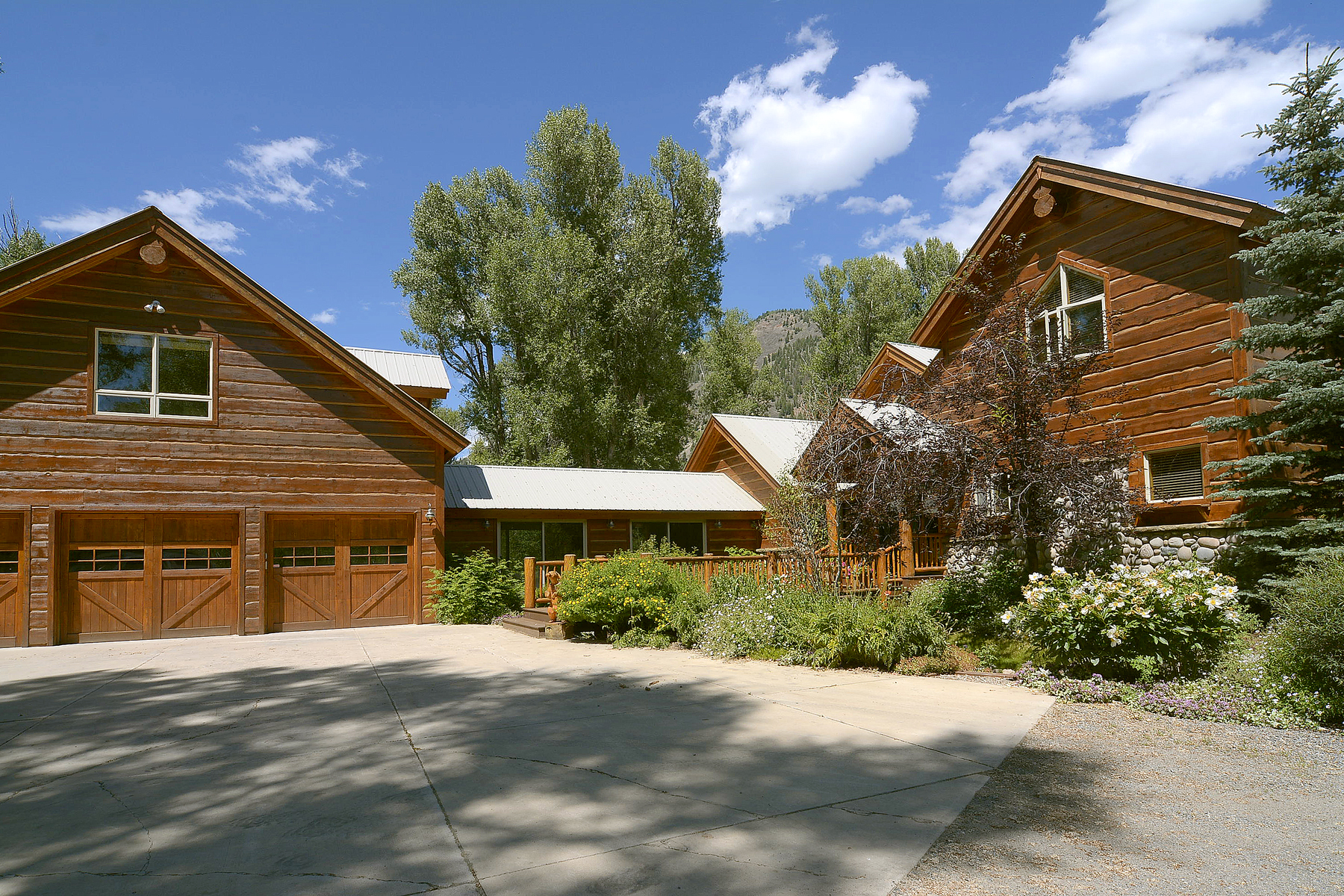 Maison unifamiliale pour l Vente à Riverfront Ranch 193 Larkspur Lane Crested Butte, Colorado, 81224 États-Unis