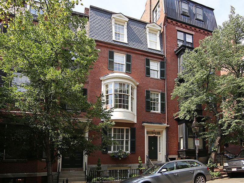 Tek Ailelik Ev için Satış at Classic Renovated Beacon Hill Townhouse 41 Chestnut Street Beacon Hill, Boston, Massachusetts 02108 Amerika Birleşik Devletleri
