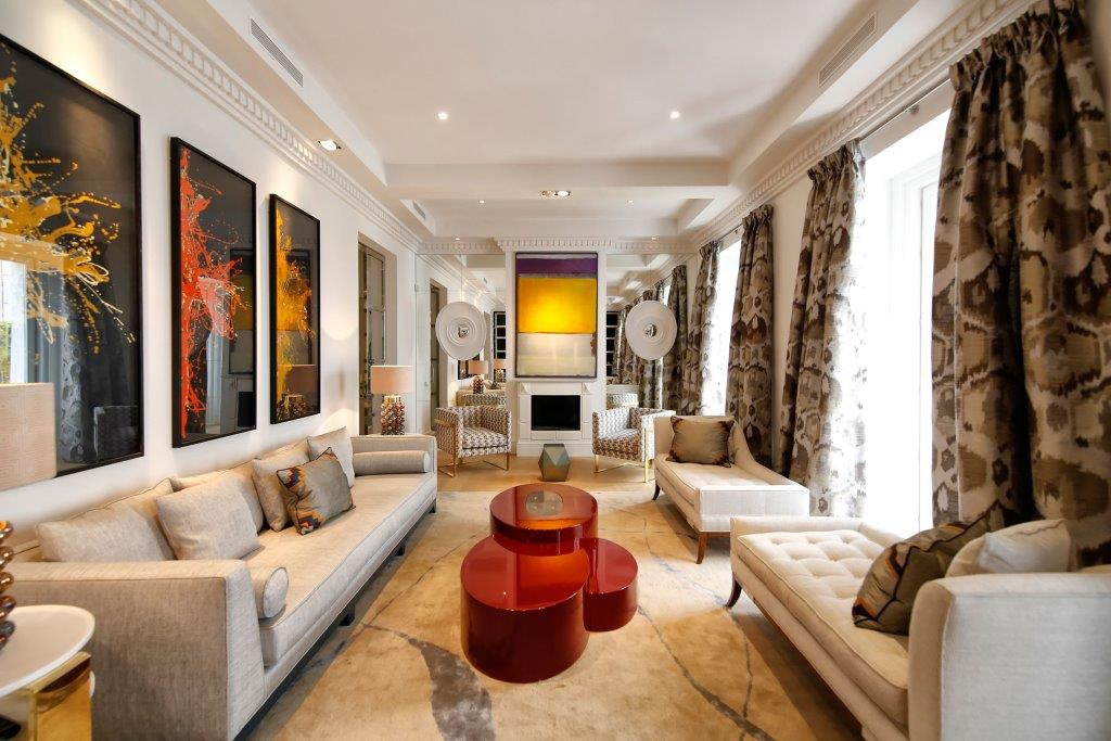 Single Family Home for Sale at Excelente apartamento de 248m en Cortes Madrid, Madrid, Spain