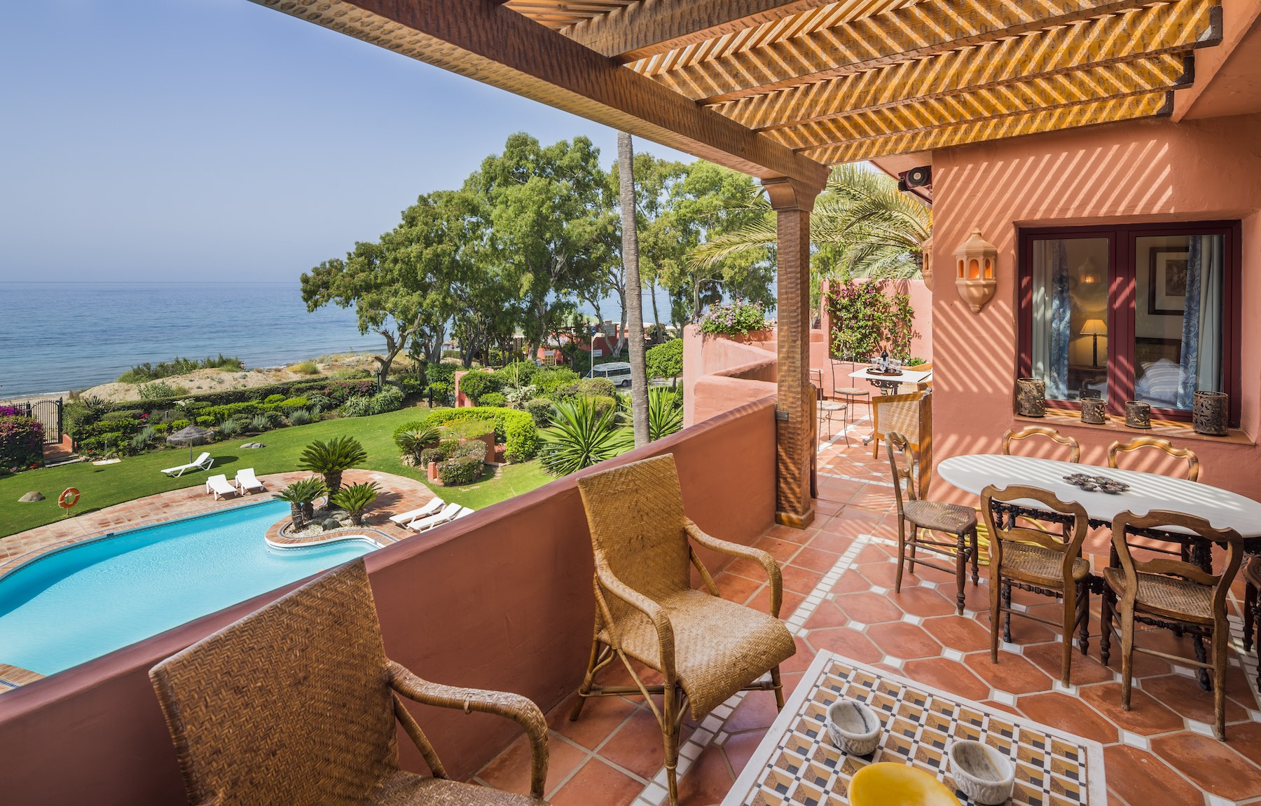 Duplo para Venda às Great, bright and spacious beachfront duplex penthouse with outstanding panorami Other Andalucia, Andaluzia, Espanha