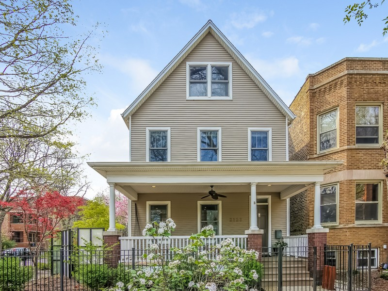 Vivienda unifamiliar por un Venta en Amazing Home Featured in Chicago Home & Garden 2123 W Agatite Avenue Lincoln Square, Chicago, Illinois 60625 Estados Unidos
