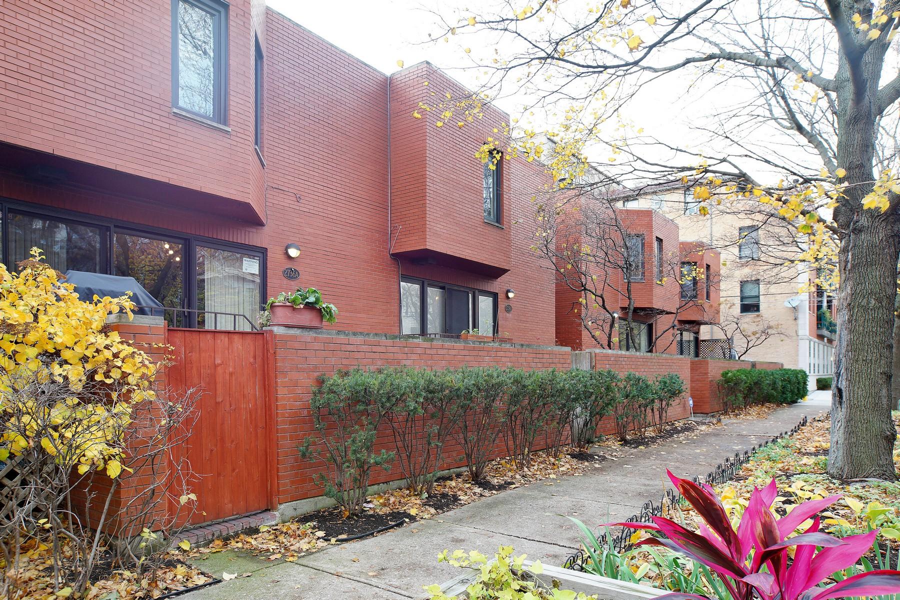 Residência urbana para Venda às Prime Lincoln Park Brick Townhome 2736 N Dayton Street Unit B Lincoln Park, Chicago, Illinois 60614 Estados Unidos