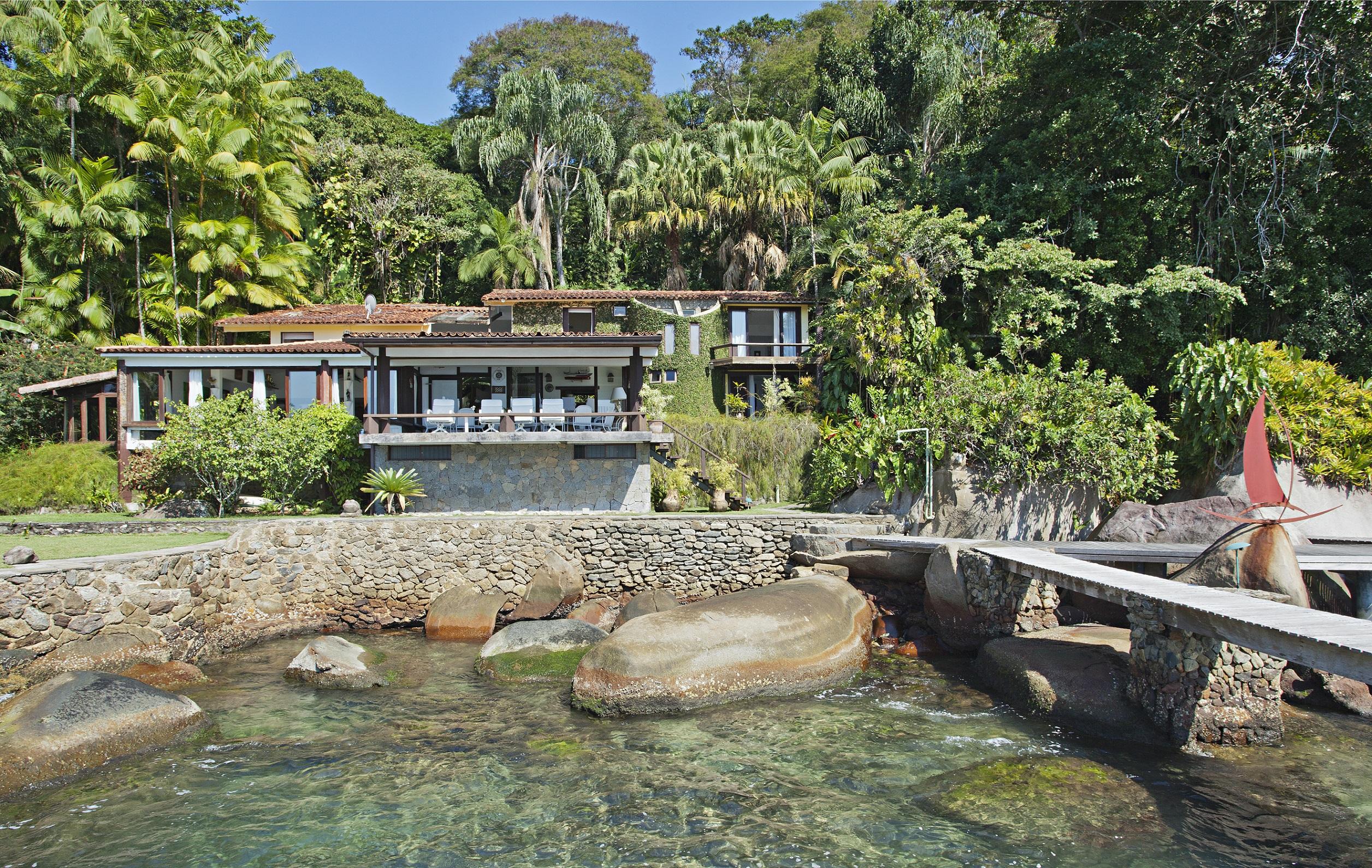 Maison unifamiliale pour l Vente à Surrounded by Ocean Rua Costeira do Jaca Ponta das Pedras Angra Dos Reis, Rio De Janeiro, 23946015 Brésil