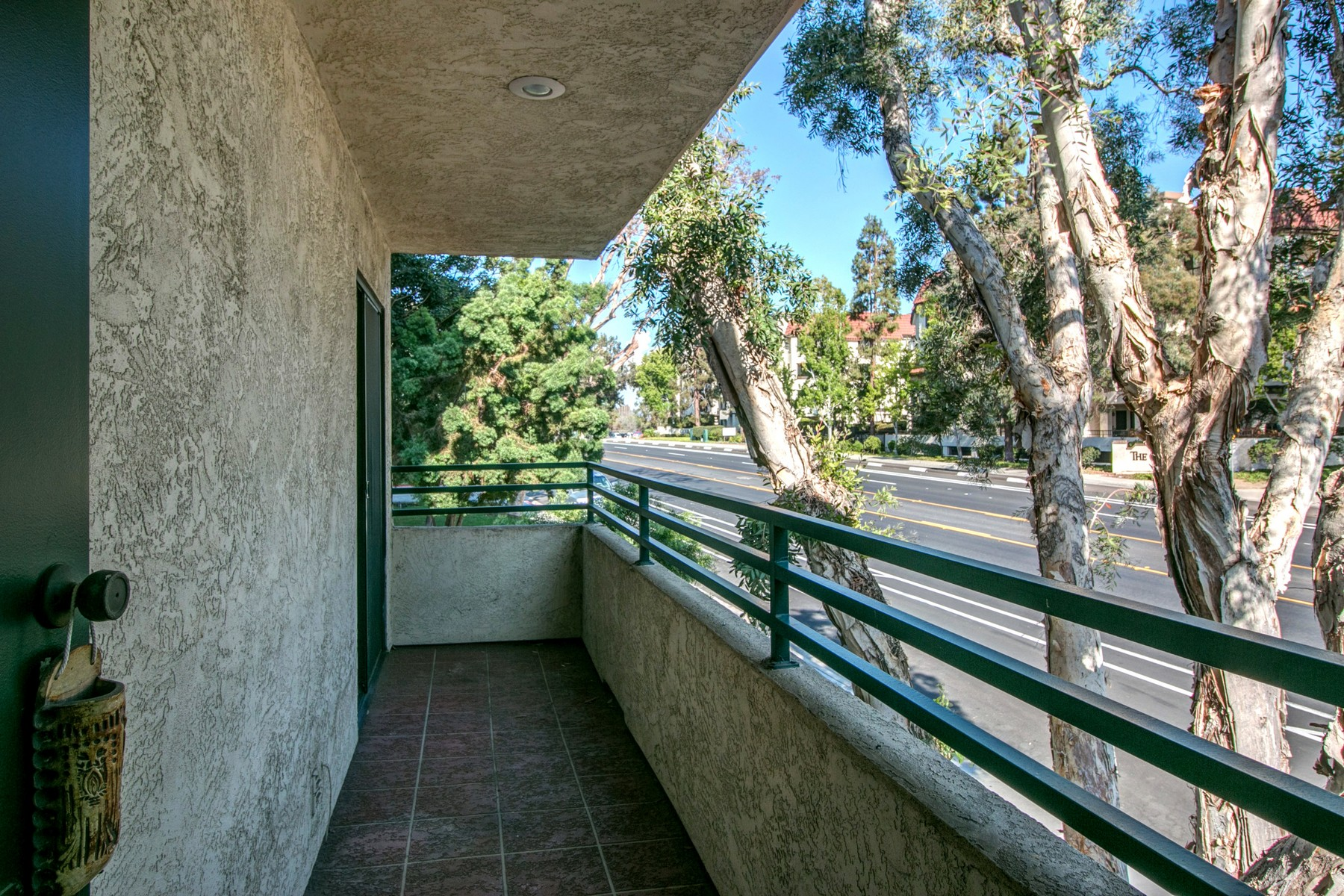 Additional photo for property listing at 1055 Donahue Street, Suite 7  San Diego, California 92110 Estados Unidos