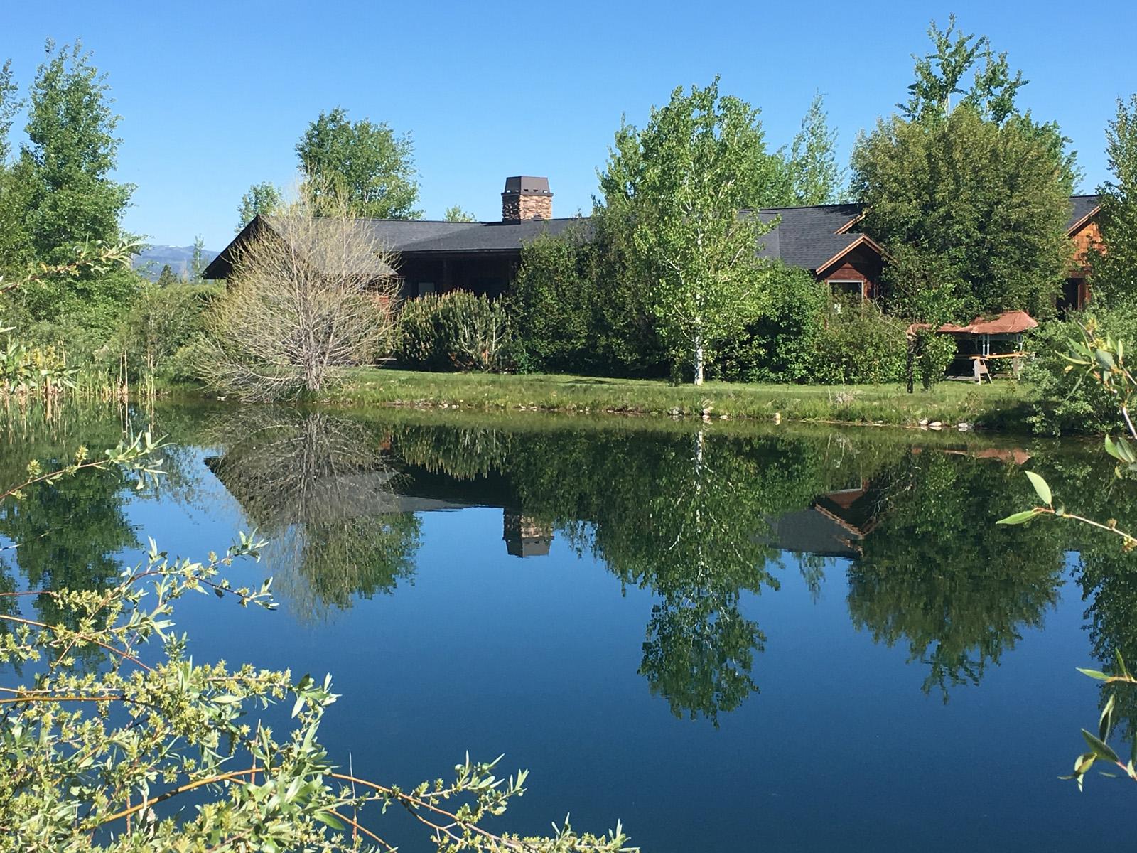 独户住宅 为 销售 在 Water View in Victor 585 Cattail Drive 维克多, 爱达荷州, 83455 Jackson Hole, 美国