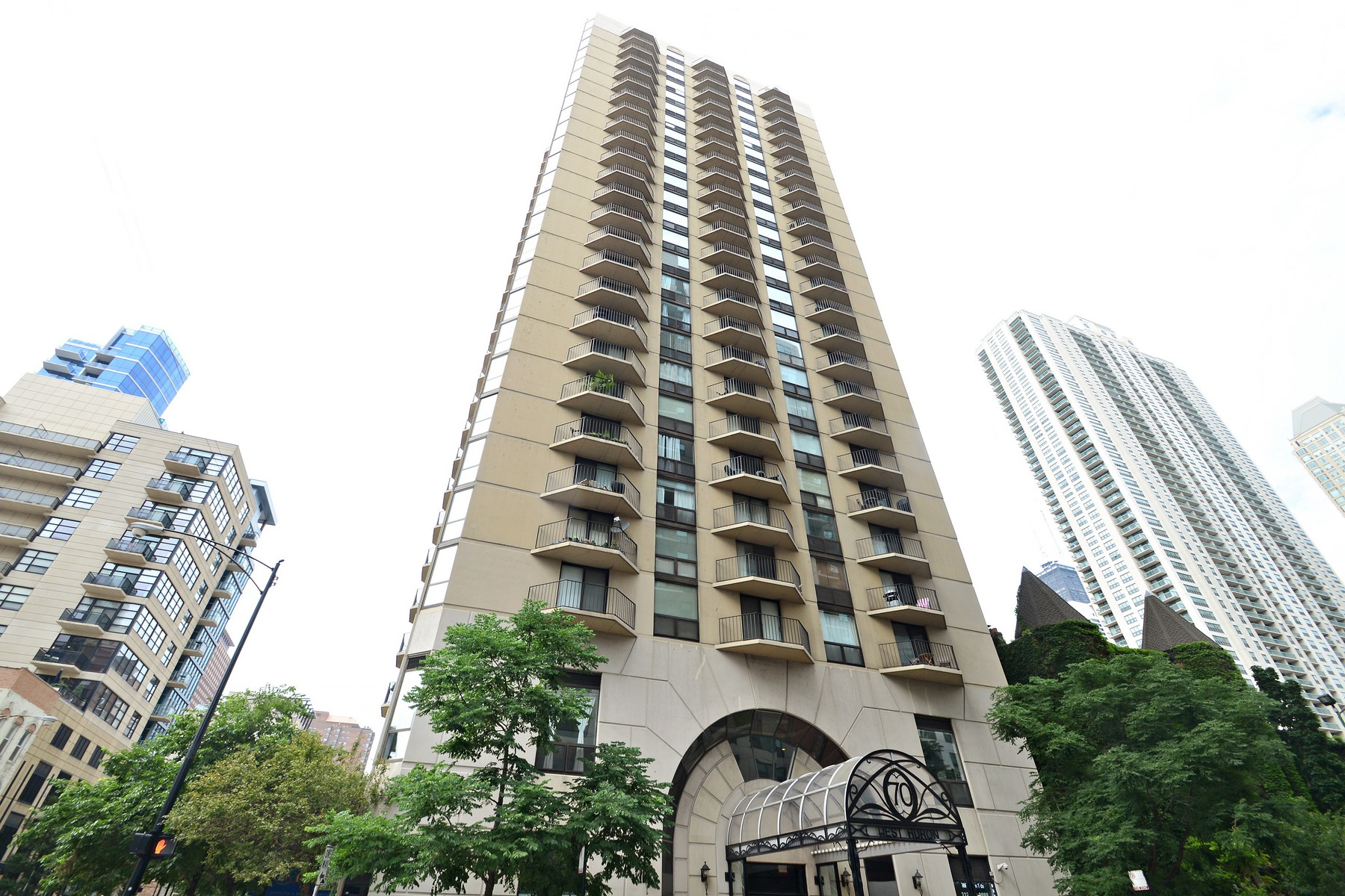 Condominium for Sale at Welcome to The Hermitage! 70 W Huron Street Unit 1204 Chicago, Illinois, 60654 United States
