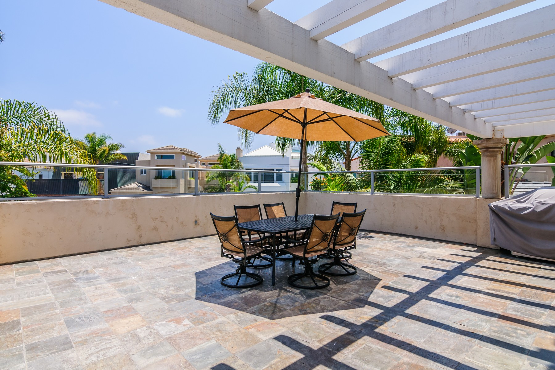 Additional photo for property listing at 8 Sandpiper Strand  Coronado, California 92118 United States