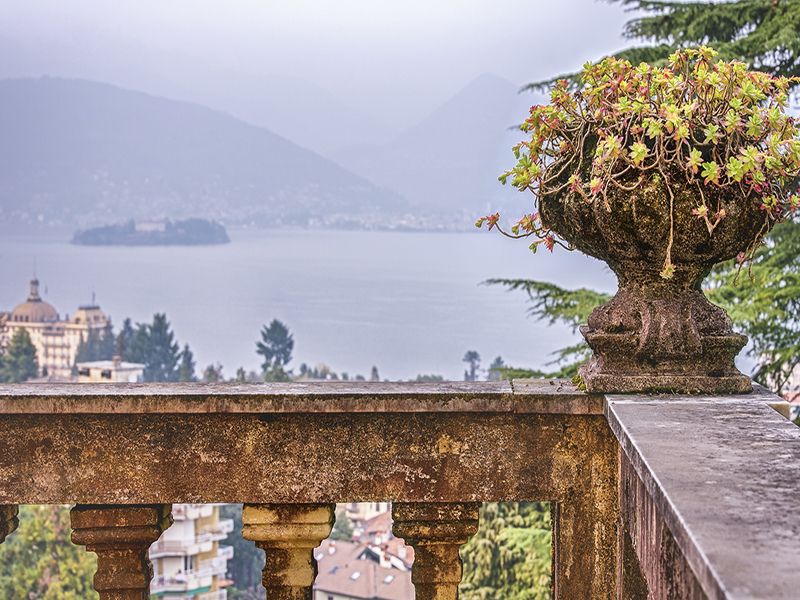 Additional photo for property listing at Renowned villa with amazing views Via privata Bono Lamberti Stresa, Verbano Cusio Ossola 28835 Italy