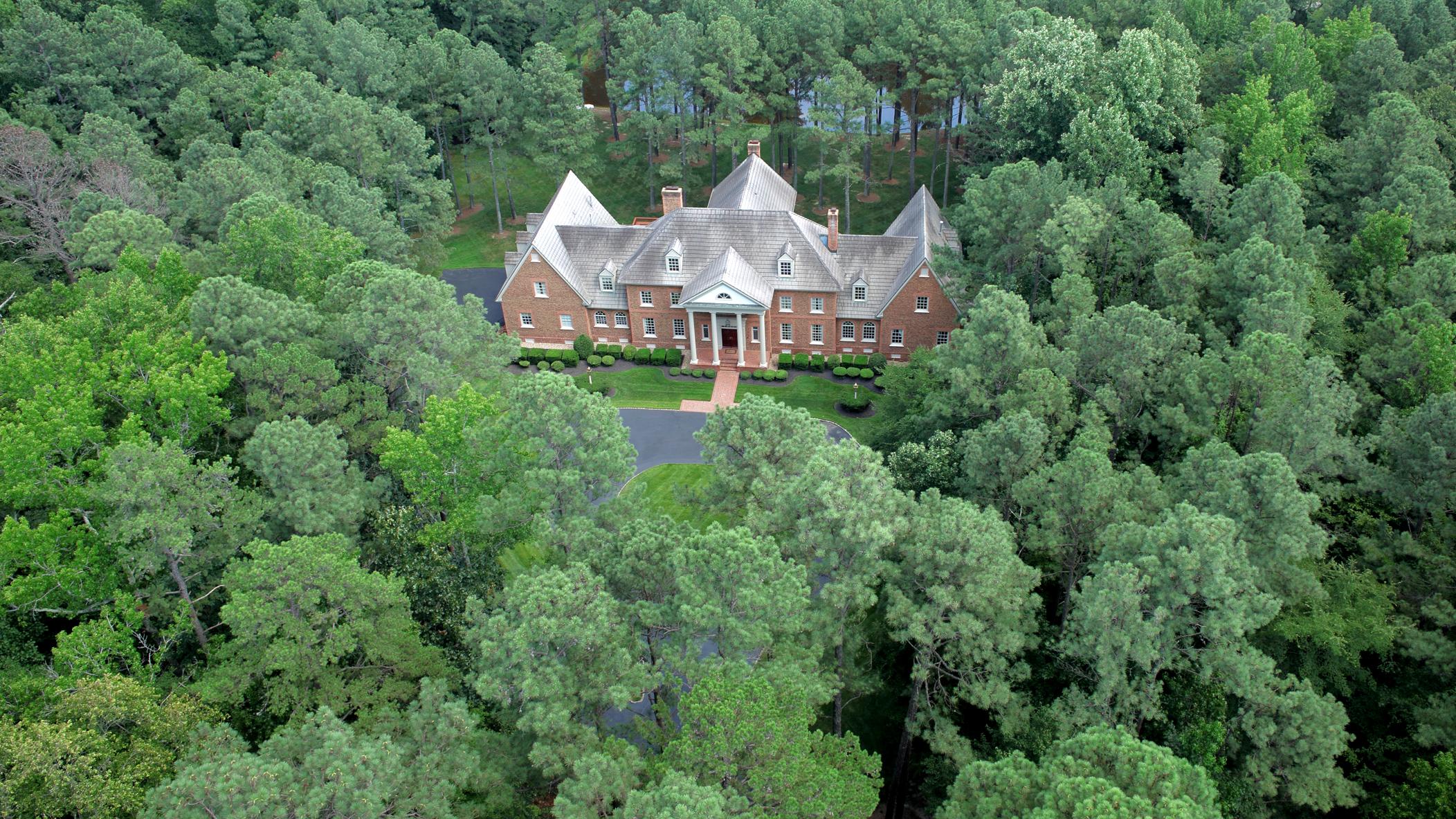 獨棟家庭住宅 為 出售 在 221 Dryden Lane Henrico, 弗吉尼亞州, 23229 美國