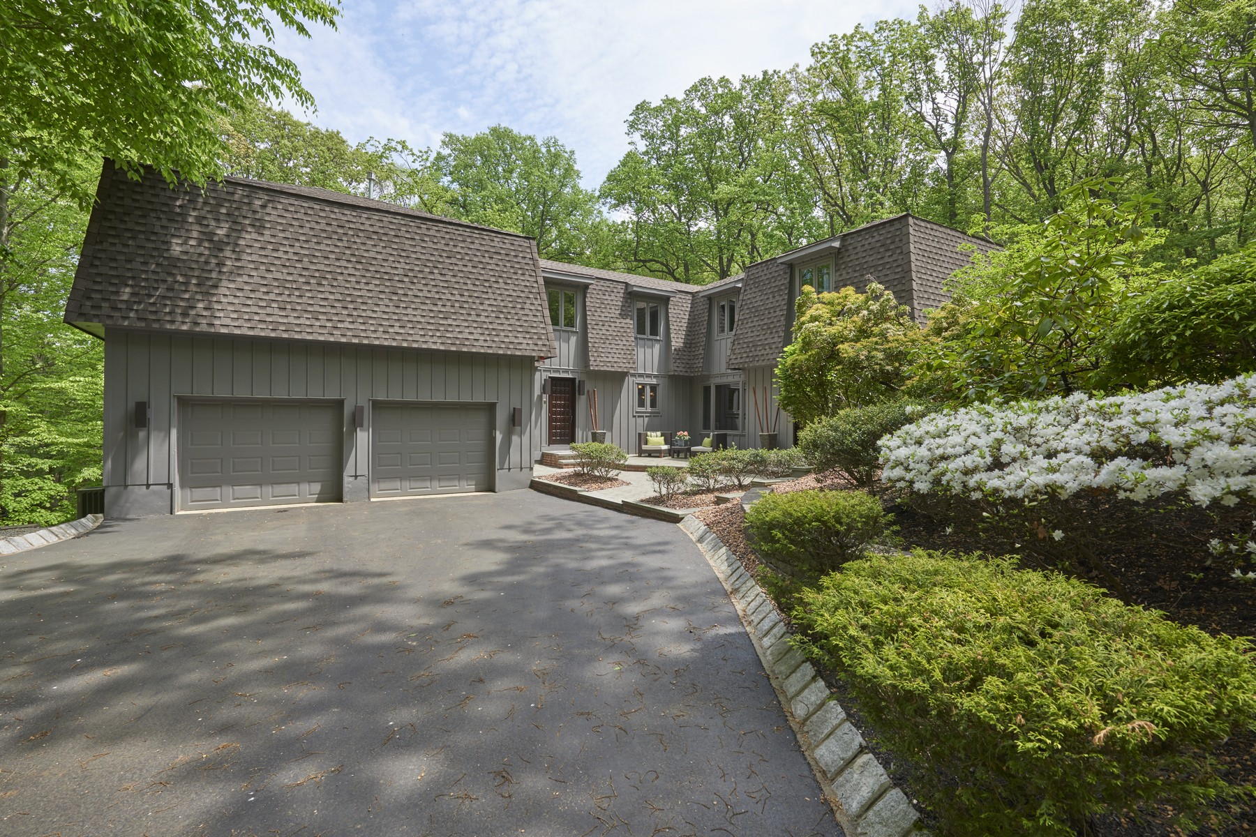 Single Family Home for Sale at Artfully Designed Retreat 5 Twin Brooks Court Holmdel, New Jersey 07733 United States
