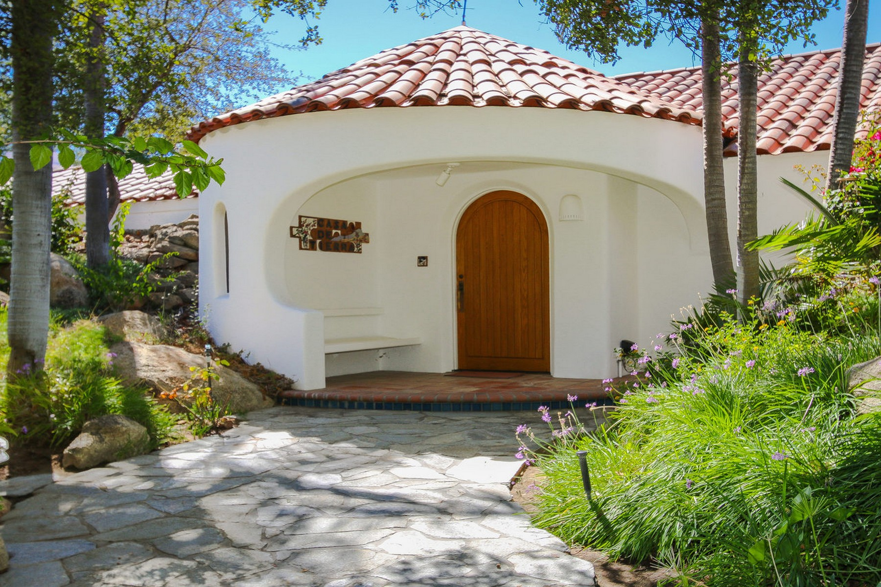 Additional photo for property listing at 38474 Rainbow Peaks Road  Fallbrook, California 92028 United States