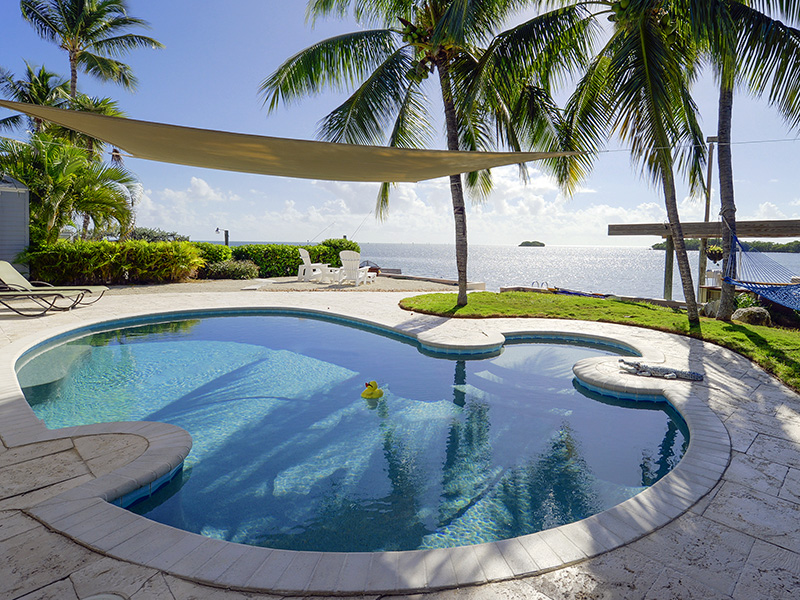 Villa per Vendita alle ore Sweeping Ocean Views 204 Ocean Drive Plantation Key, Florida 33070 Stati Uniti
