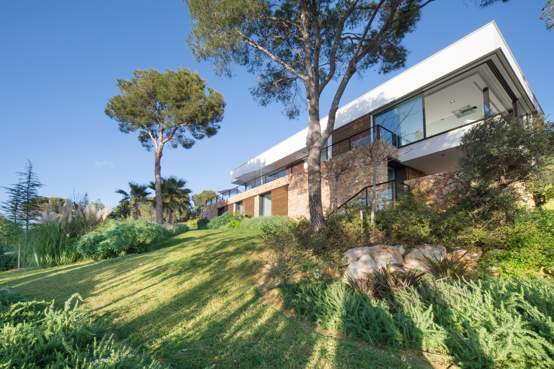 Single Family Home for Sale at Amazing, new build villa of excellent qualities Santa Ponsa, Mallorca, 07180 Spain