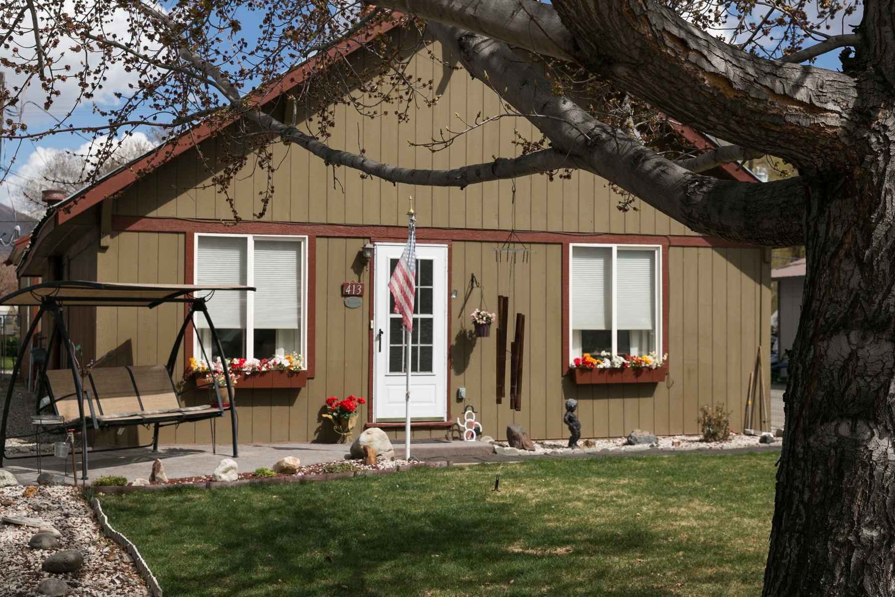 Частный односемейный дом для того Продажа на Endless Potential Bellevue Home 413 S. Main St Bellevue, Айдахо, 83333 Соединенные Штаты