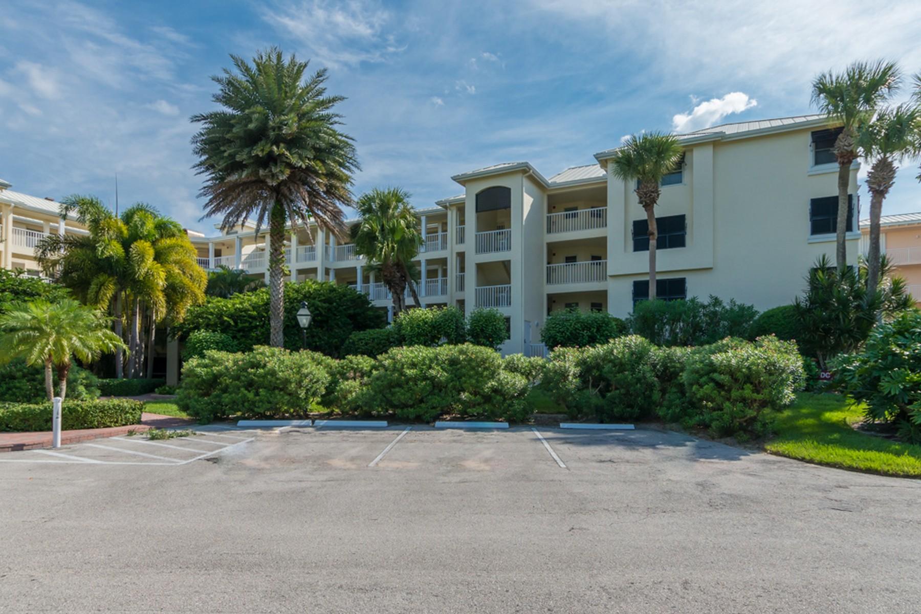 콘도미니엄 용 매매 에 Stunning Sea Oaks Condo 8880 N Sea Oaks Way#306 Vero Beach, 플로리다 32963 미국