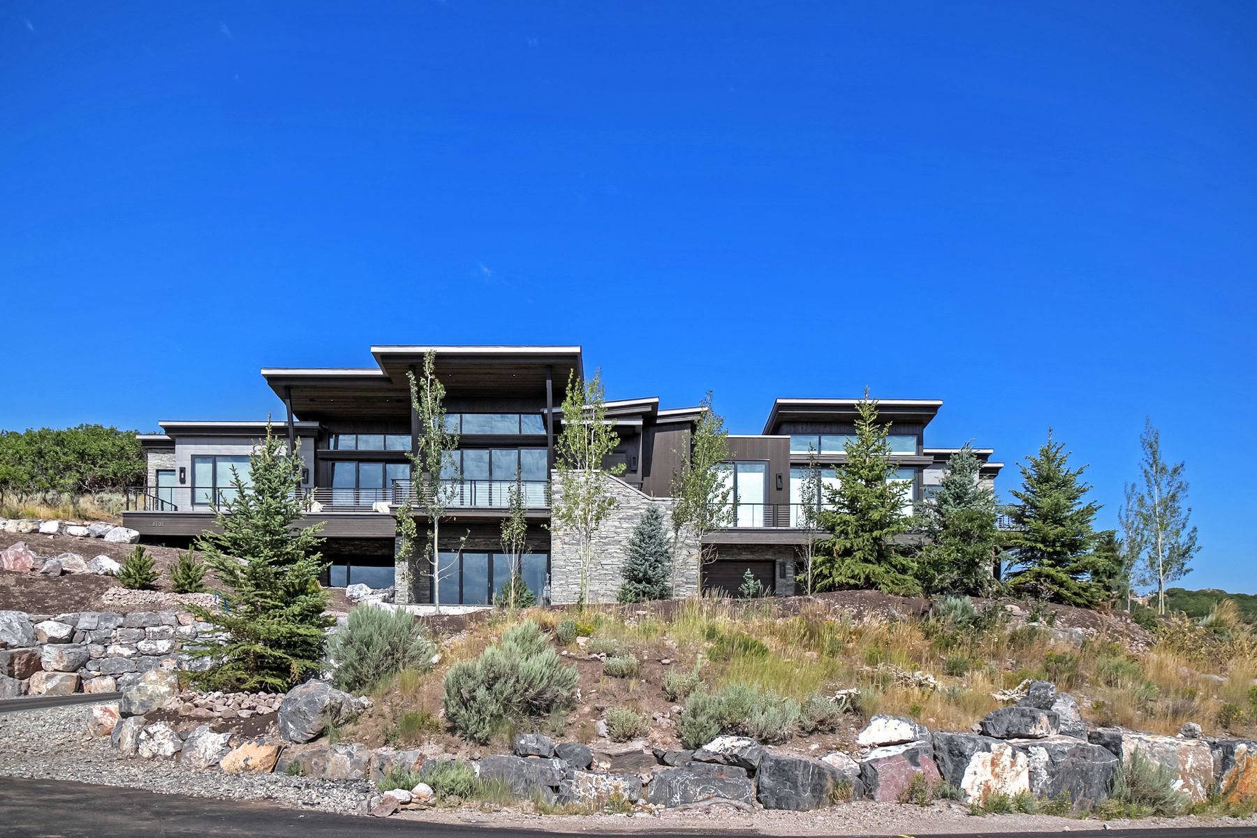Maison unifamiliale pour l Vente à Mountain Modern Masterpiece! 8101 N Sunrise Loop Park City, Utah, 84098 États-Unis