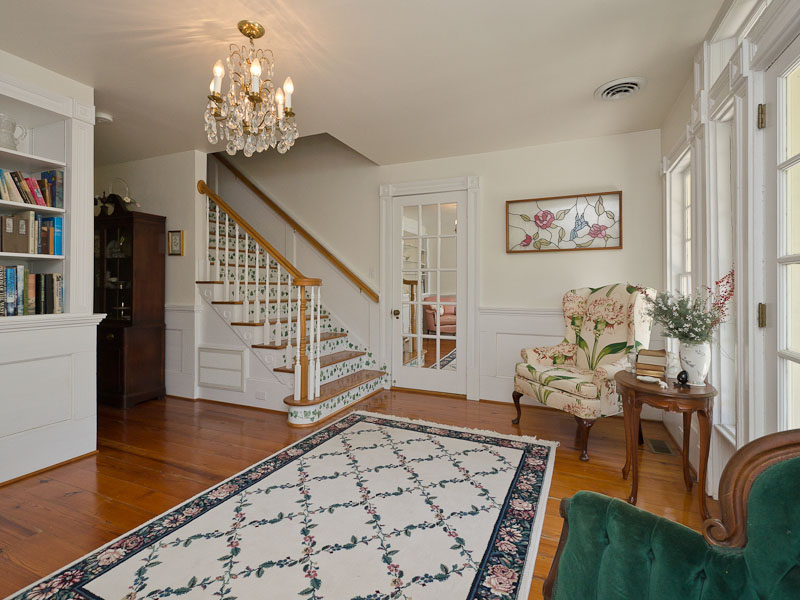 Additional photo for property listing at The James Coffield House 209 E. King Street Edenton, North Carolina 27932 United States