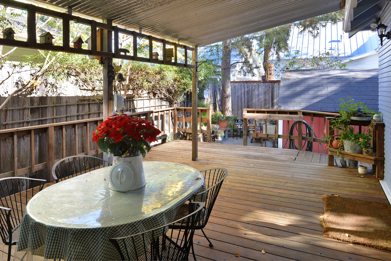 Additional photo for property listing at Healdsburg Craftsman Bungalow 401 Piper Street Healdsburg, California 95448 United States