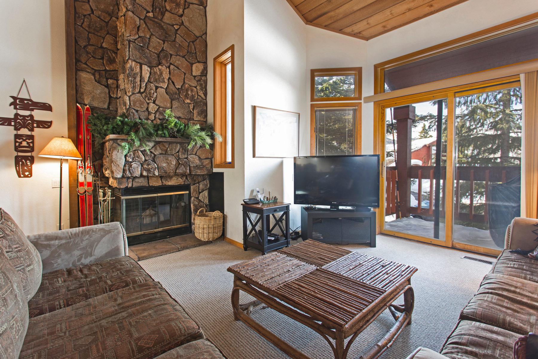타운하우스 용 매매 에 Nicely Updated. Easy Ski Access. 7956 Ridgepoint Dr #132 Park City, 유타, 84060 미국