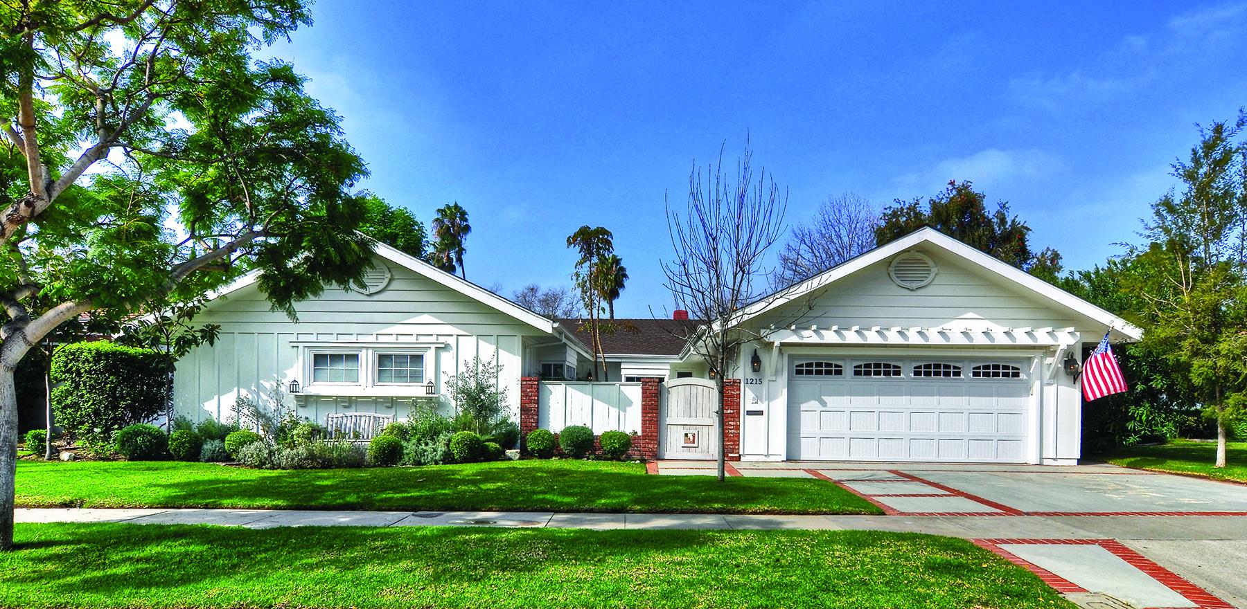 Vivienda unifamiliar por un Venta en 1215 Pembroke Newport Beach, California 92660 Estados Unidos