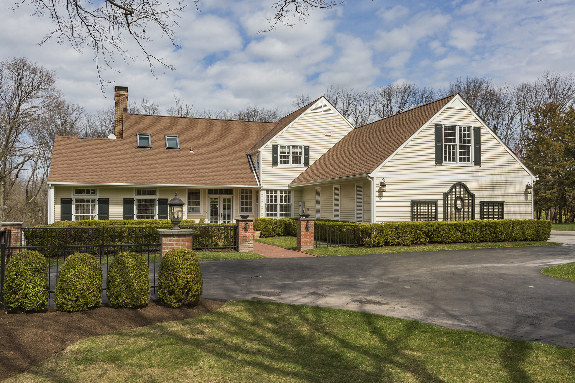 Single Family Home for Sale at Golfers & Non-golfers Will Appreciate The Serenity - Montgomery Township 46 Duncan Lane Skillman, New Jersey 08558 United States
