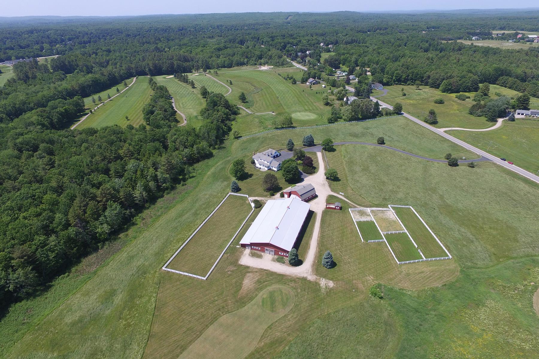 Maison unifamiliale pour l Vente à 228 Greely Road Cumberland, Maine, 04021 États-Unis