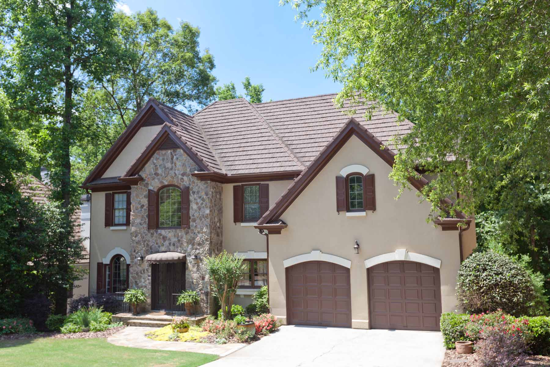 独户住宅 为 销售 在 Country Club of the South 2020 Compton Way Johns Creek, 乔治亚州 30022 美国