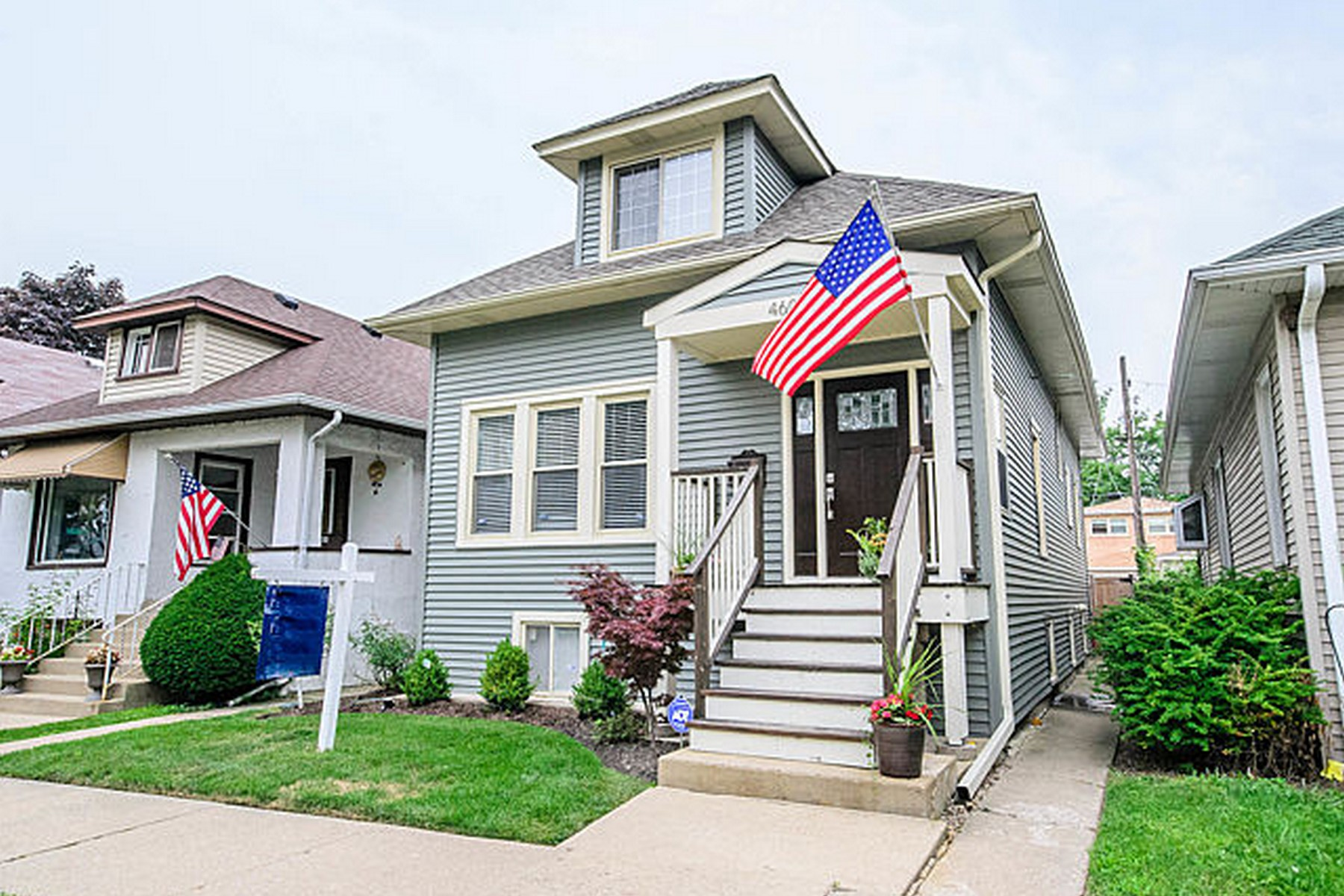 단독 가정 주택 용 매매 에 Completely Updated Mayfair Home 4606 N Kedvale Avenue Chicago, 일리노이즈, 60630 미국