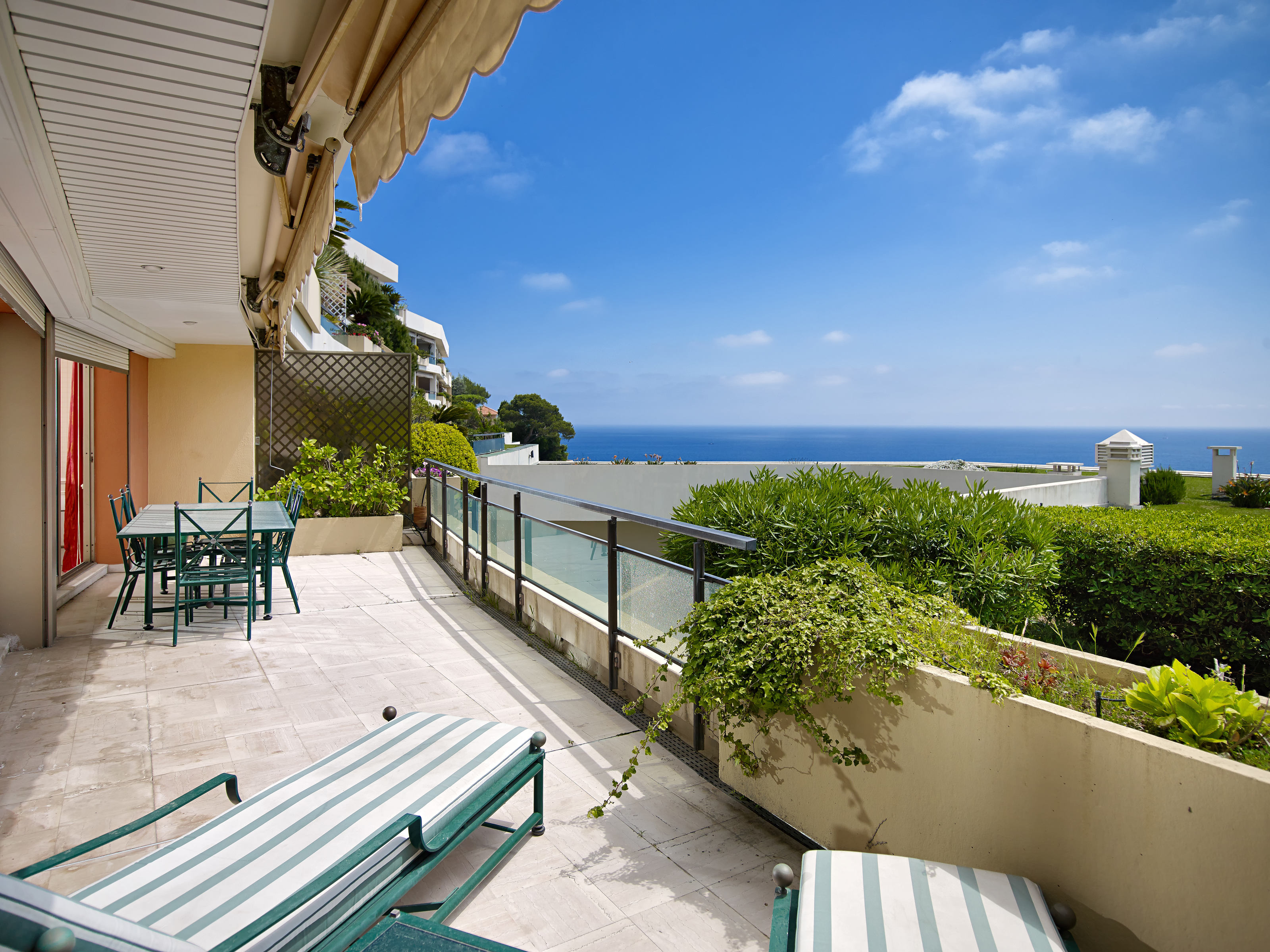 Apartment for Sale at Large apartment in a private estate Nice, Provence-Alpes-Cote D'Azur 06230 France