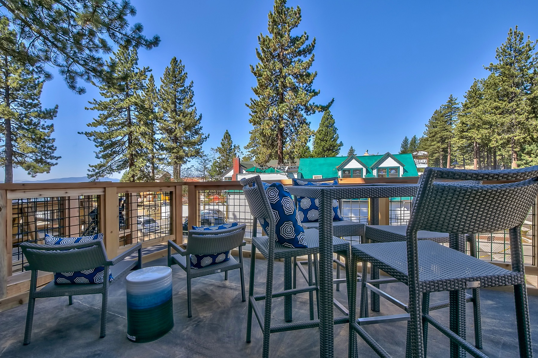 Additional photo for property listing at 8308 North Lake Boulevard, Unit 10 8308 North Lake Boulevard Unit 10 Kings Beach, California 96143 United States
